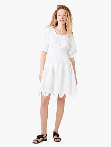 Broderie Anglaise Kleid mit gesmokter Taille, , rr_productgrid