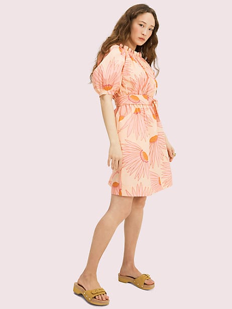 if spring were a print, it would be our falling flower pattern, seen here on this cotton poplin dress. with the super flattering (and comfortable) elasticized waist and self-tie belt, you\\\'ll be wearing this mini long into summer. Kate Spade Falling Flower Dress, Light Guava Juice - XL