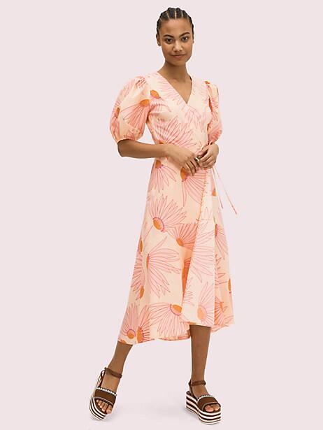 if spring were a print, it would be our falling flower pattern, seen here on this cotton poplin dress. with the super flattering (and comfortable) wrap silhouette, you\\\'ll be wearing this midi long into summer. try it with slide sandals and a wicker bag like how we styled it on our spring 2020 runway. Kate Spade Falling Flower Wrap Dress, Light Guava Juice - 12