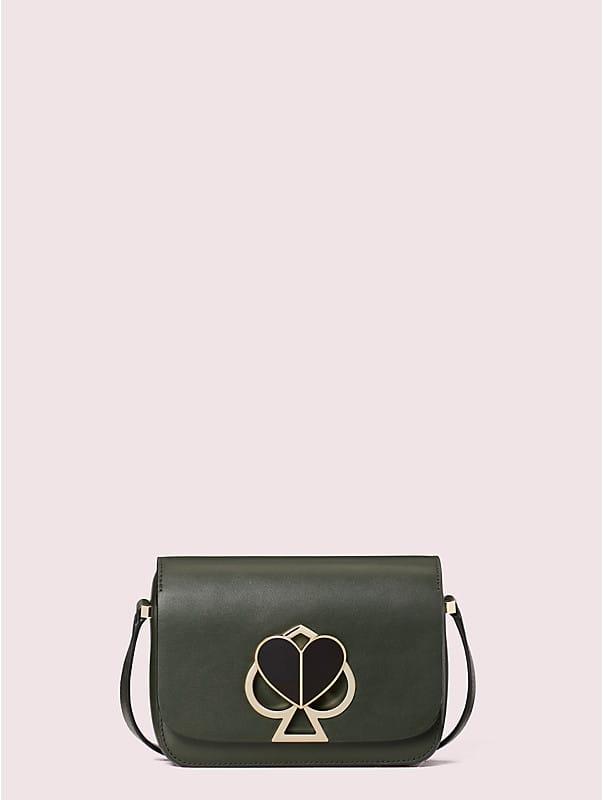 Kleine Nicola Schultertragetasche mit Drehverschluss und Umschlag, , rr_large
