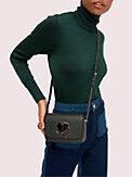 Kleine Nicola Schultertragetasche mit Drehverschluss und Umschlag, , s7productThumbnail