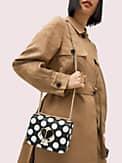 Nicola Kleine, verwandelbare Schultertragetasche mit geprägtem Tupfenmuster, Kettenriemen und Drehverschluss, , s7productThumbnail